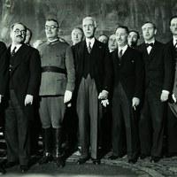 Maciá al centre, a la seva dreta Batet, i Companys a l'esquerra. 1933