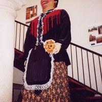 La Laia a l'entrada de l'Ajuntament de Tornabous